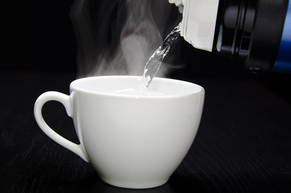 9 Best Health benefits of drinking hot water